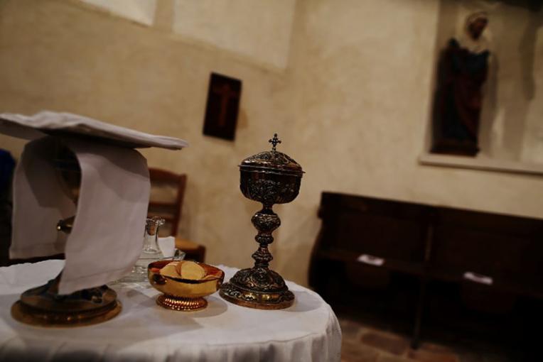France: le tronc connecté de Ste-Thérèse de Lisieux dope les ventes de cierges