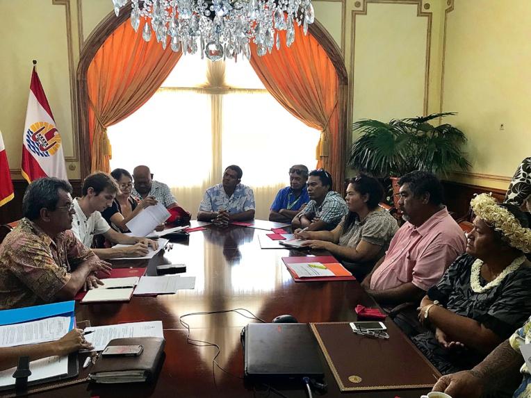 Fakarava : Le tavana fait le point sur les projets à venir avec le Président Edouard Fritch