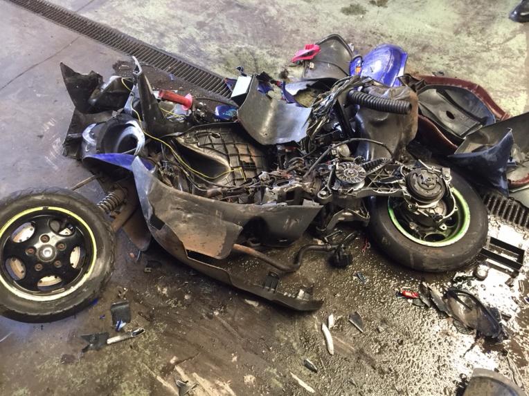 Run sauvage: les forces de l'ordre détruisent un scooter trafiqué