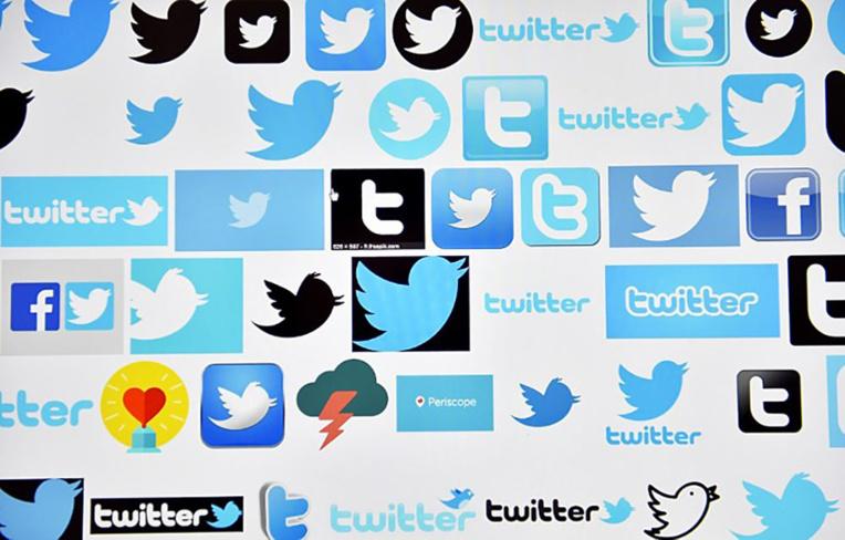 """Charlie: Philippe """"souhaite des poursuites"""" contre les auteurs de menaces anonymes sur Twitter"""