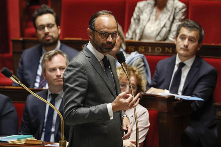 """Edouard Philippe défend """"le réflexe outre-mer"""" dans son gouvernement"""