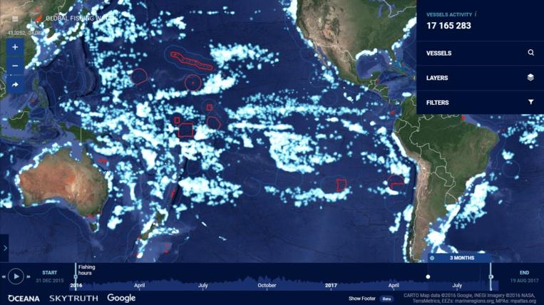 Sur cette carte, les bateaux de pêche industriels sont marqués par un point blanc (un point par jour et par bateau, sur trois mois de données). La concentration très élevée de ces bateaux autour de notre zone économique exclusive est saisissante. Sur la carte, les zones libres de bateaux de pêche industriels sont généralement les zones marines protégées, entourées d'une ligne rouge, ou les pays qui ont une petite flotte locale et ont refusé de vendre des droits de pêche aux flottes étrangères. Notez que les territoires américains ont presque tous leur AMP (Howland Baker, Palmyra, Johnston, Wake et l'ouest de Hawaii. Il ne manque que Guam et les Mariannes, qui ont une aire marine gérée stricte).