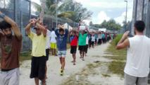La Papouasie augmente la pression sur les réfugiés du camp australien de Manus