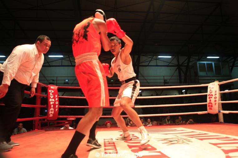 Belle boxe proposée par Tautua Dauphin, en blanc, qui s'impose