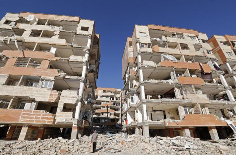 Séisme en Iran: l'État et la population au secours des sinistrés