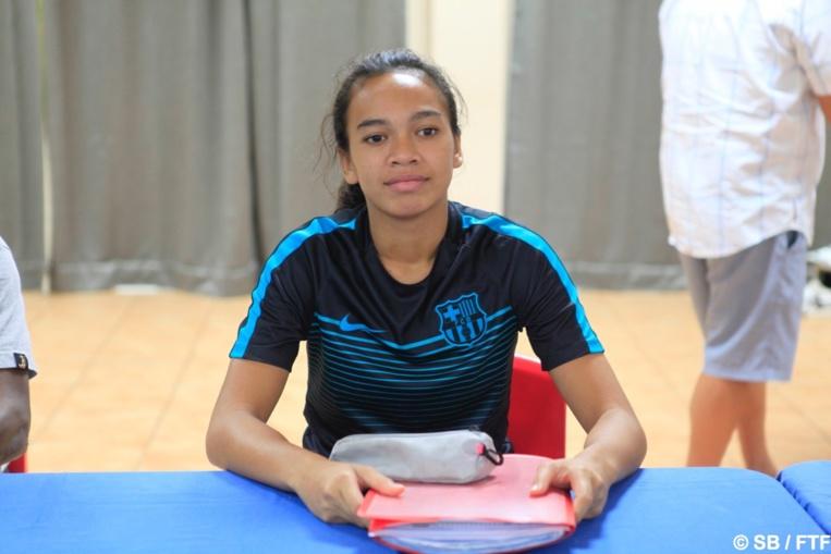 Rani Perry, une jeune fille passionnée de football