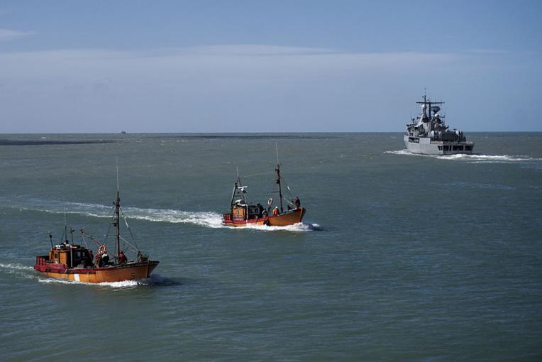 Sept jours sans nouvelles du sous-marin argentin, les chances de survie s'amenuisent