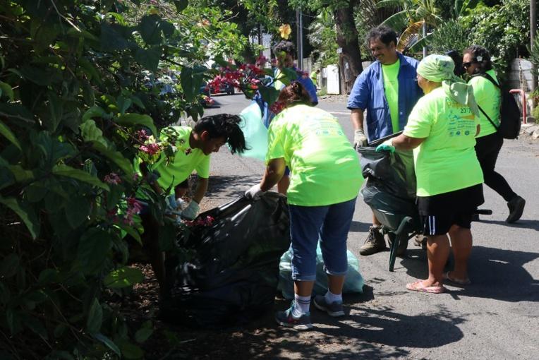 """Une soixantaine de bénévoles ont participé à la 1ère édition de """"A poihere ia Papeete""""."""
