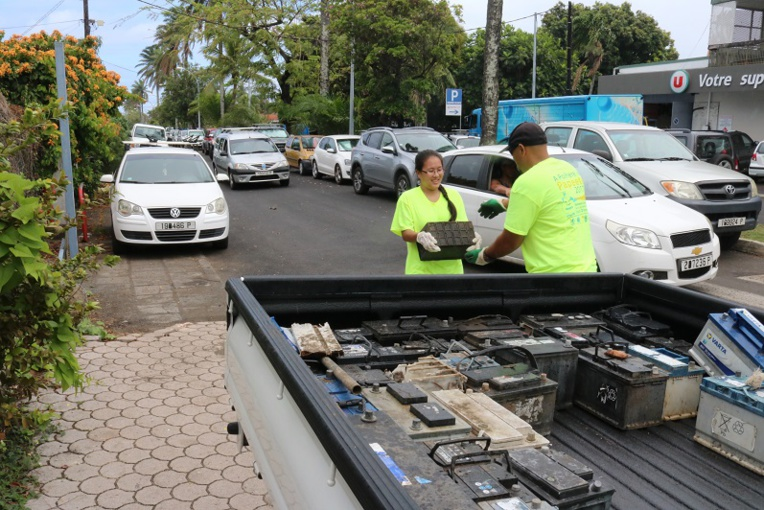 Près d'une tonne de déchets ont été récoltés, dont 60 batteries.