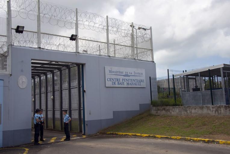 """Opération """"Déposez les armes"""": remise de peine pour les détenus volontaires en Guadeloupe"""