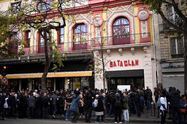 """13 novembre: une """"fausse victime"""" du Bataclan condamnée à six mois de prison ferme"""