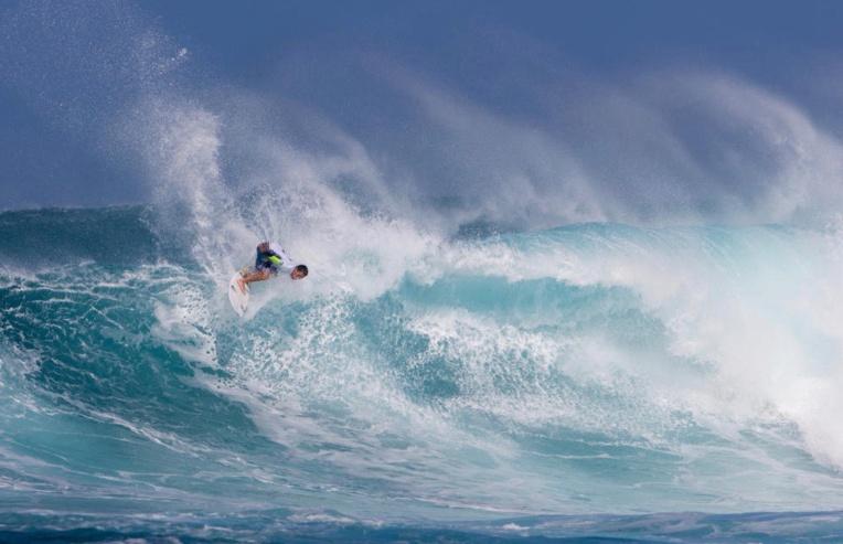 Ariihoe Tefaafana, ici à Sunset Beach, termine 4e de la zone Hawai'i-Tahiti en 2017