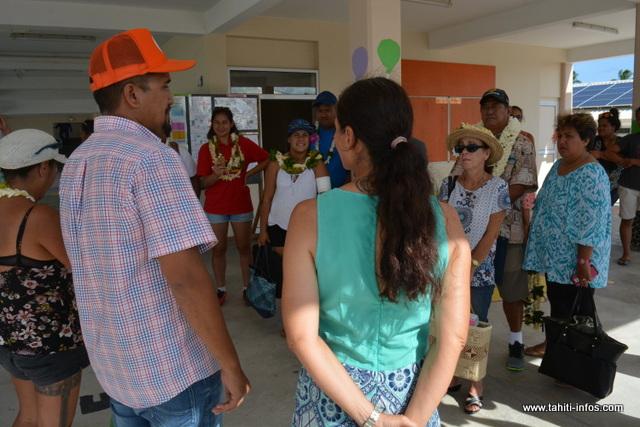 Le maire de Makemo a accueilli les présidents des fédérations sportives venus de Tahiti.