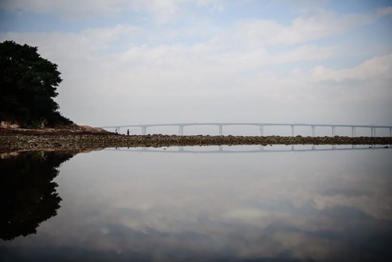 Le Pont Hong Kong-Macao, un chantier en eau trouble