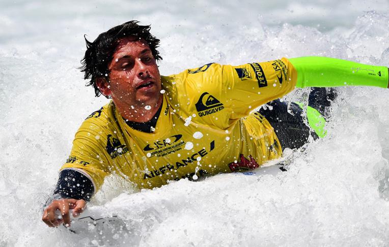 Surf/Hawaï: Victoire de prestige pour Florès face à Florence, sacré champion 2017