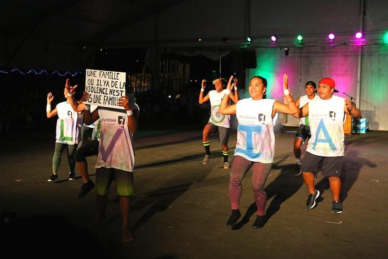 Les jeunes ont dansé sur le thème de la prévention. Ici, Taurea Team.
