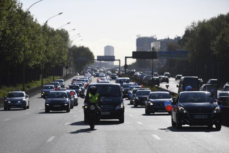 """Revers judiciaire pour Uber, un """"service de transports"""" aux yeux de l'UE"""