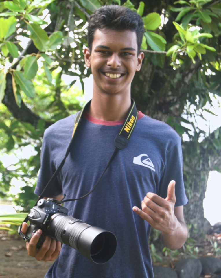 Florian Rey, 17 ans, photographe officiel du Waterman Tahiti Tour