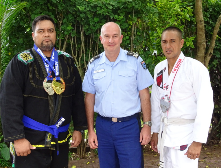 Gendarmes et champions de jiu-jitsu