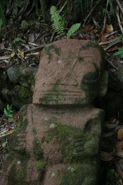 Gros plan sur la vedette du jour ; les doigts comme les traits du visage sont en excellent état de conservation.