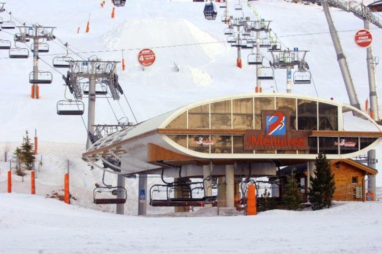 Chamrousse (Isère): 150 skieurs évacués sans incident de télécabines en panne