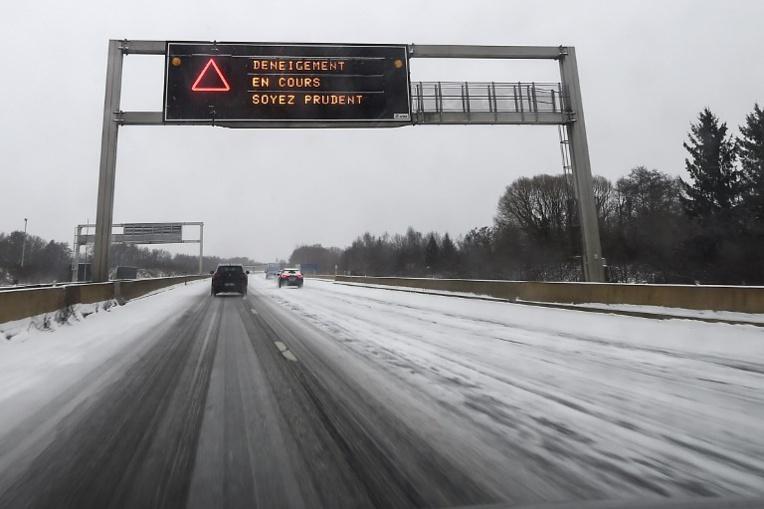 Voiture à contresens sur l'autoroute: trois nouveaux morts
