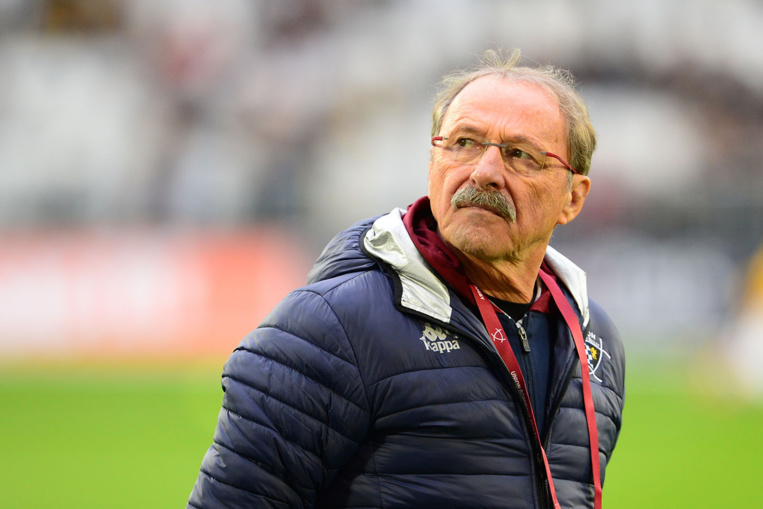 XV de France - Laporte met fin au faux suspense et innove