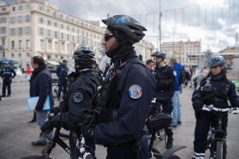 Une fusillade fait un mort et un blessé grave dans un quartier animé de Marseille