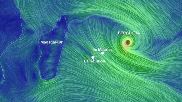 """Pré-alerte cyclonique à la Réunion: Berguitta devient """"cyclone tropical intense"""""""