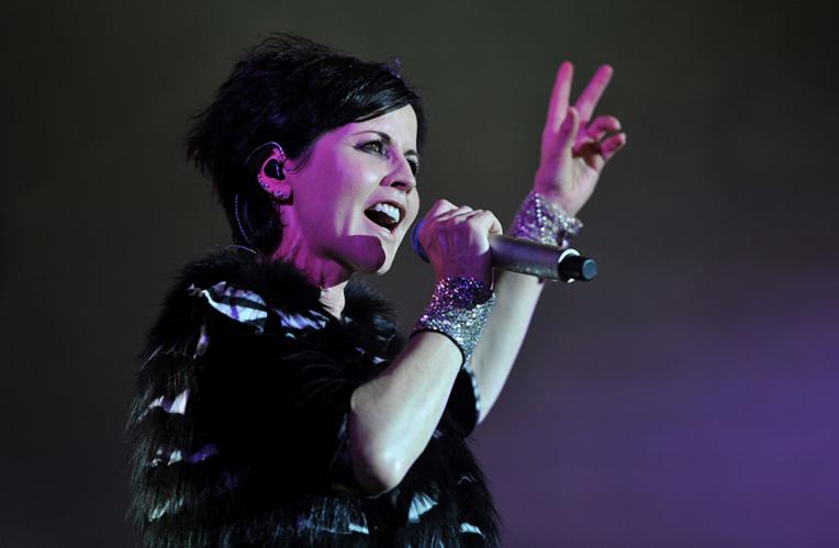"""La chanteuse des Cranberries était sur le point d'enregistrer une reprise de """"Zombie"""""""