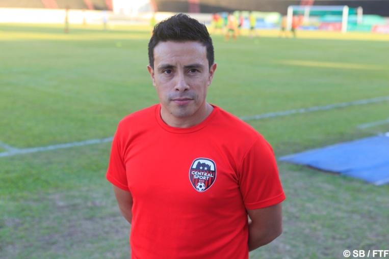 """Efrain Araneda alias """"Chico"""", nouveau coach de Central"""