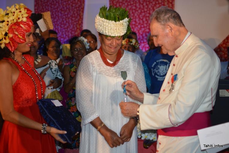 Marguerite Lai décorée chevalier de l'ordre national du Mérite