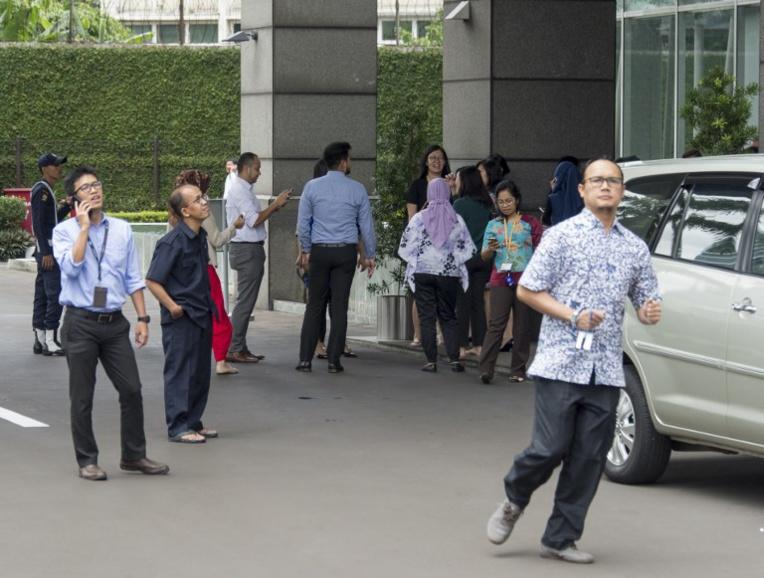 Scènes de panique à Jakarta après un fort séisme à Java