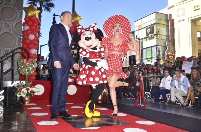 Minnie reçoit une étoile à Hollywood, quelques décennies après Mickey