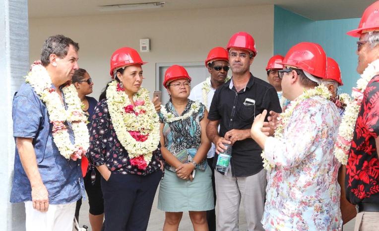 La ministre du Travail et de l'Education, Tea Frogier, était en visite vendredi, à Bora Bora, afin de faire un point sur le chantier du lycée et collège de l'île.
