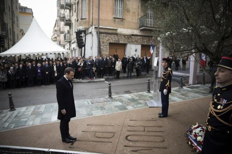 """En Corse, Macron veut donner un """"avenir"""" à la Corse au sein de la République"""