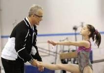 Le coach des gymnastes sacrées aux JO-2012 visé par une enquête criminelle