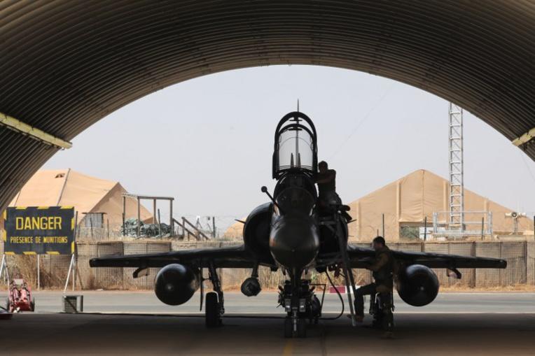 La France veut consacrer près de 300 milliards d'euros à sa défense en sept ans