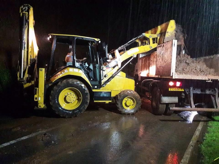 Eboulements : Routes coupées à Hitia'o Terra et Mahinarama