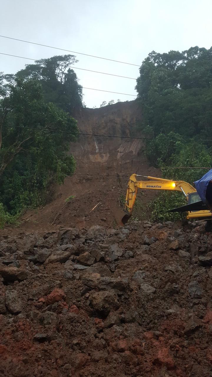 Bilan des pluies : éboulement important à Mahaena et des écoles fermées (photos)
