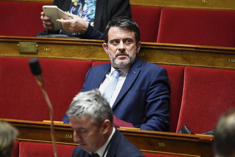 """Nelle-Calédonie: M.Valls veut contribuer à """"éclairer"""" l'après-référendum"""