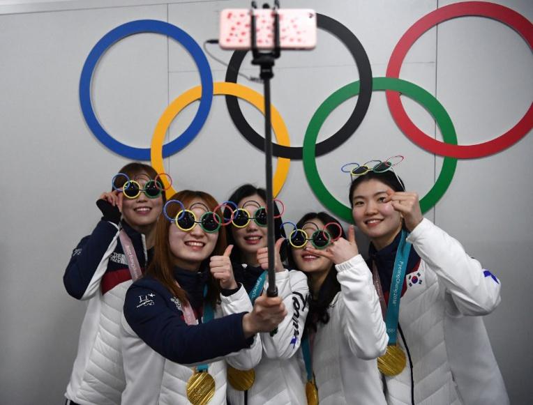 """De l'ail et du curling: quand la """"Team Kim"""" passionne la Corée du Sud"""