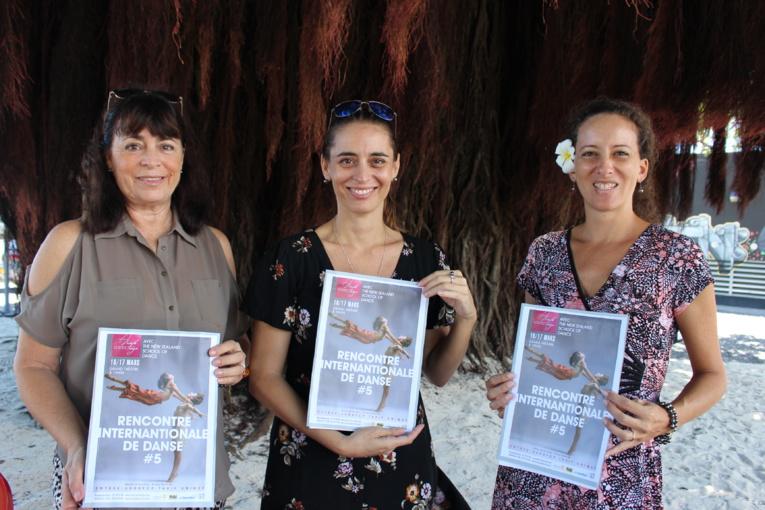 Annie Fayn, Marion Fayn et Vaiana Giraud de la Maison de la culture (de gauche à droite).