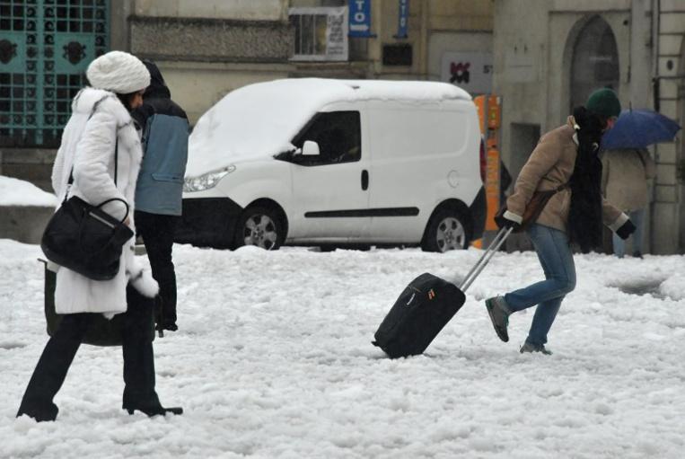 Colère et incompréhension dans Montpellier, paralysé par la neige