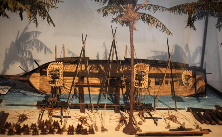 L'exemplarité de l'échouage du bateau de Laplace à Tahiti lui vaut de figurer au musée national de la marine sous la forme d'une maquette.