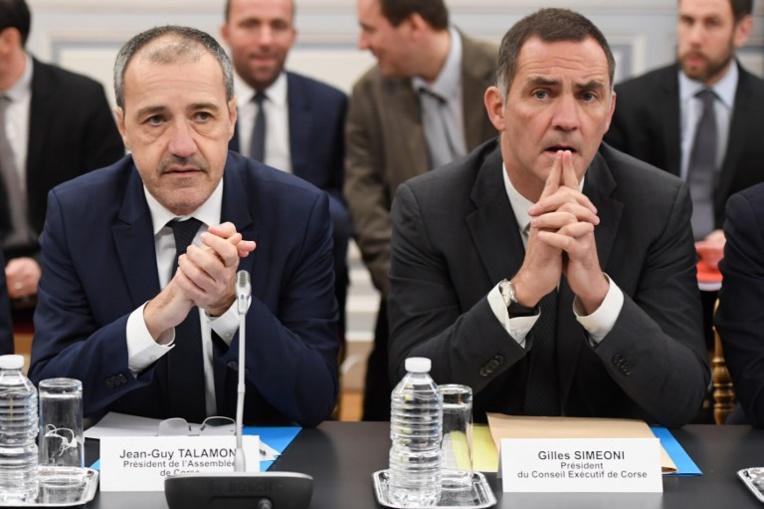 Révision de la Constitution: Philippe aborde le volet corse