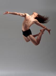 Le danseur polynésien Florian Teatiu, tête d'affiche de la Rencontre internationale de danse