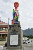 Nouméa: Rififi autour de la statue d'un guerrier kanak, qui remplaçait un poilu