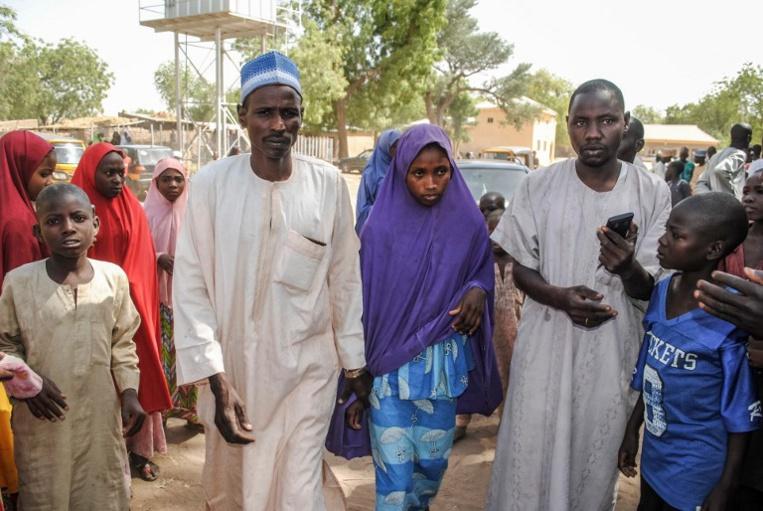 Nigeria: Boko Haram rend à leurs parents une centaine d'écolières enlevées en février