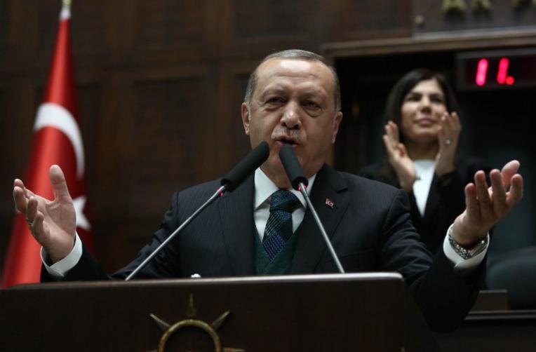 Turquie: l'UE durcit le ton avant une réunion attendue avec Erdogan